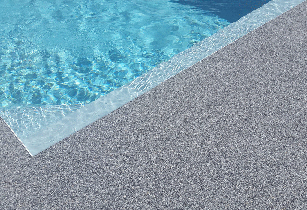 plage de piscine antidérapante
